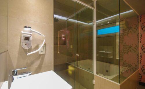 img-suite-hidro-c-sauna-banho-classea-motel