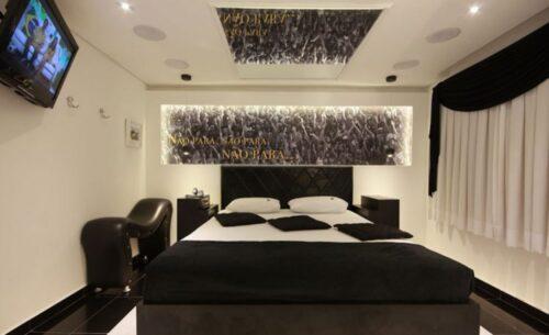 img-suite-hidro-c-sauna-cortinas-classea-motel