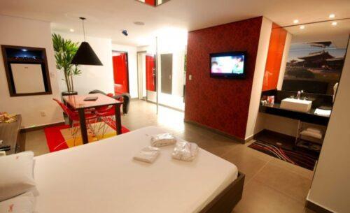 img-suite-ofuro-com-cromoterapia-tv-classea-motel